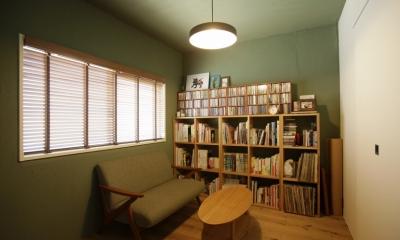 珪藻土や断熱塗料をDIYで塗装。暮らしに合わせてつくっていく家 (ベッドルーム)