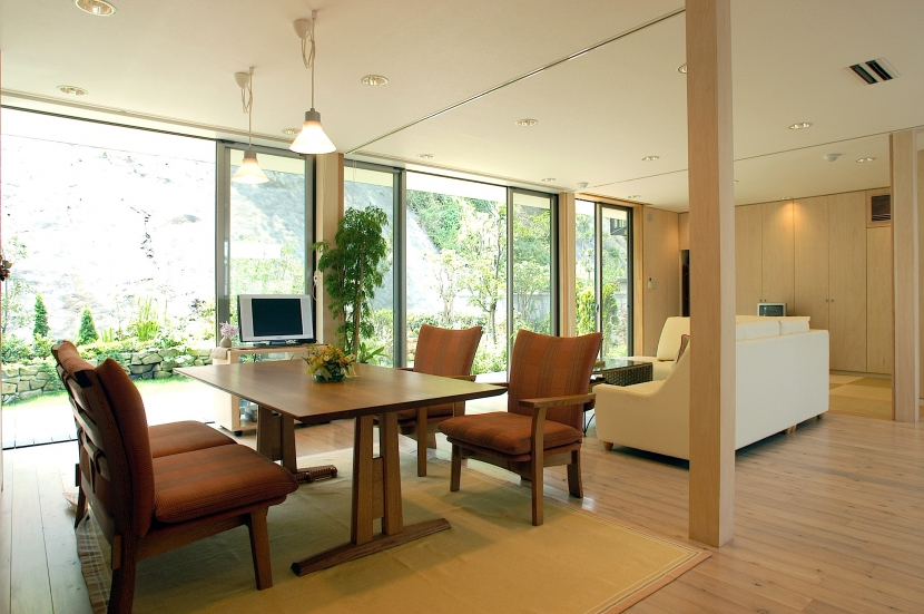 YK-Houseの写真 リビングダイニング+和室