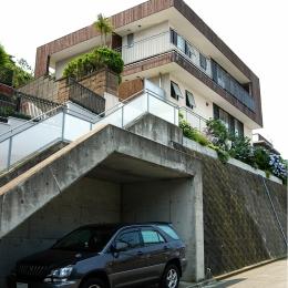YK-House (道路からの外観)