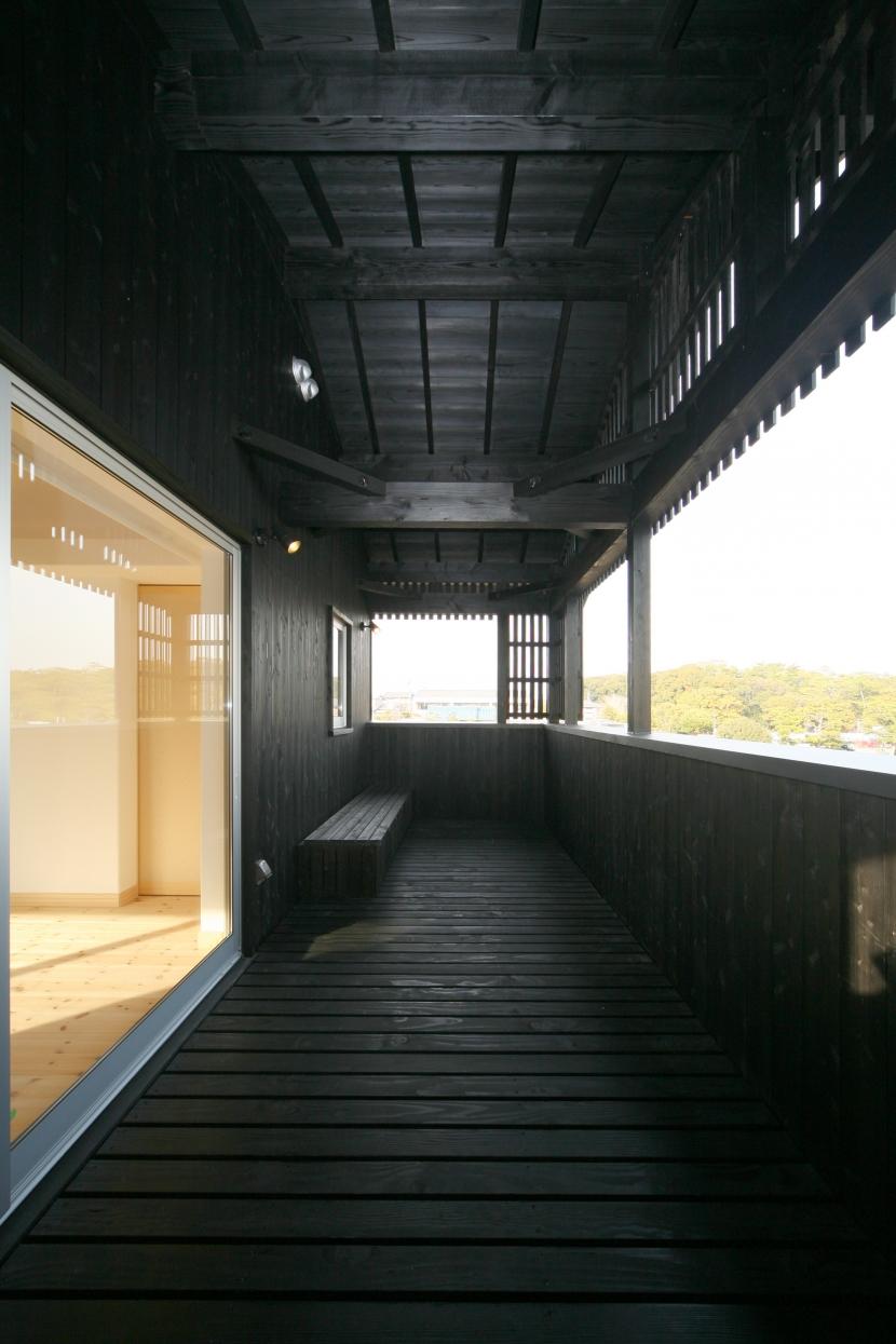 個人住宅 愛知県 2009 (田園と森を見渡すテラス)
