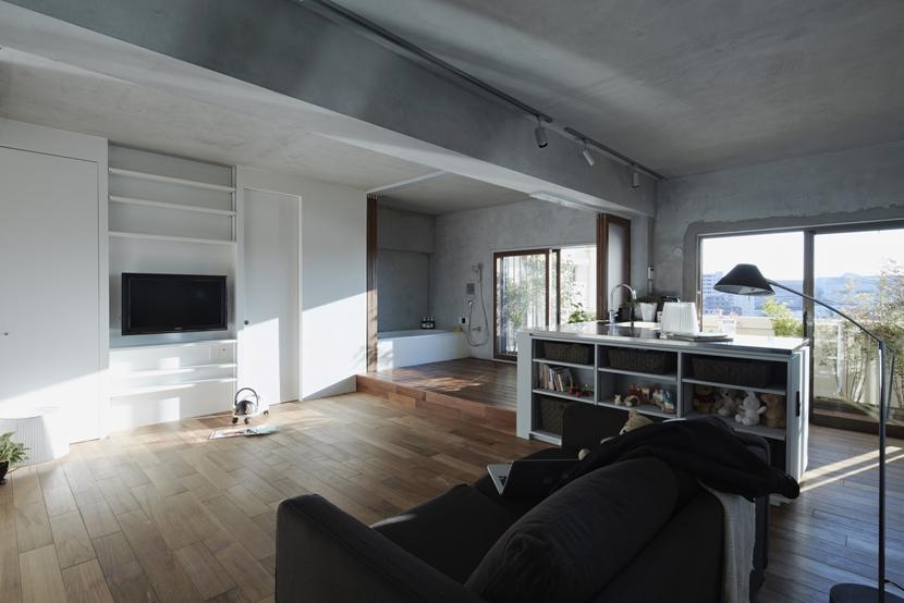 千葉・バスキッチンの家の部屋 リビングと連続するバスルーム