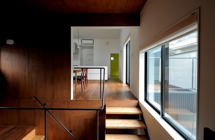 建築家:長久保健二「東向島スキップフロアの家」