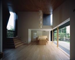 城ヶ崎海岸の家 (多方向から光が巡る表情豊かな空間)