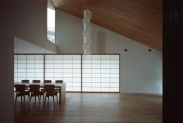 城ヶ崎海岸の家 (柔らかな光に包まれる空間)