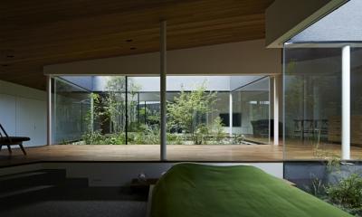 東村山の家 (シームレスに繋がる空間に置かれたベッド)