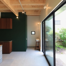 中野M-素材を引き継ぎ、緑に囲まれるお気に入りのカフェ