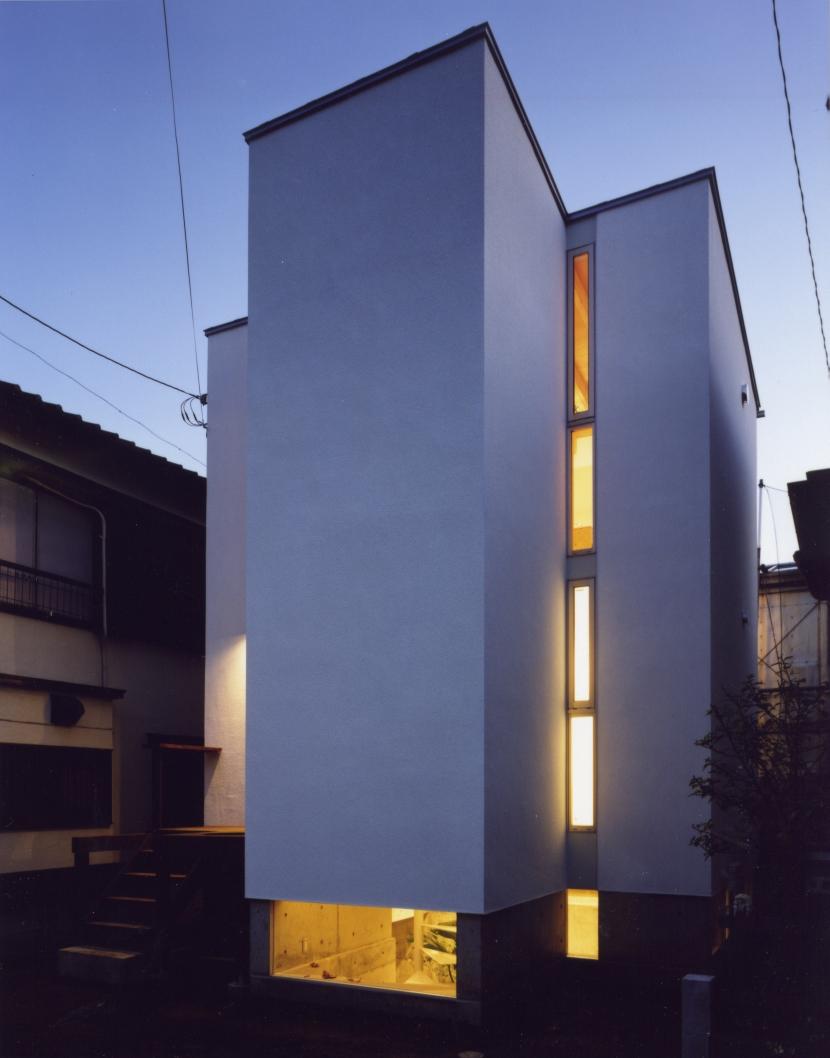 「4-コ ハウス」8坪の小さな家の部屋 夜景 外観