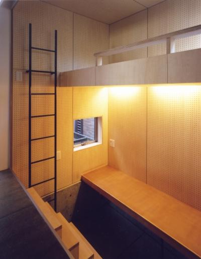 3畳の子供部屋 (「4-コ ハウス」8坪の小さな家)