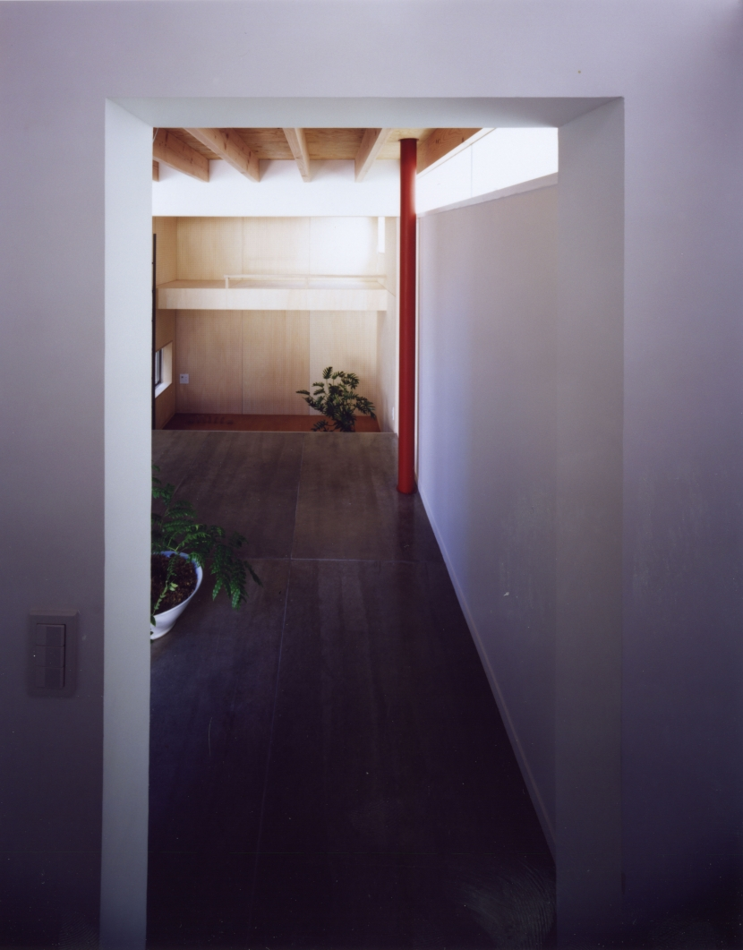 「4-コ ハウス」8坪の小さな家 (1階ホール)