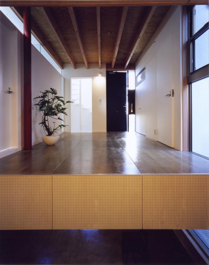 「4-コ ハウス」8坪の小さな家の部屋 1階玄関ホール