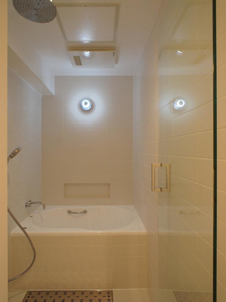 ステージのある家の部屋 浴室・風呂