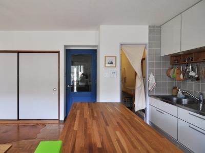 キッチン・台所 (木のぬくもりに囲まれた三鷹の家)