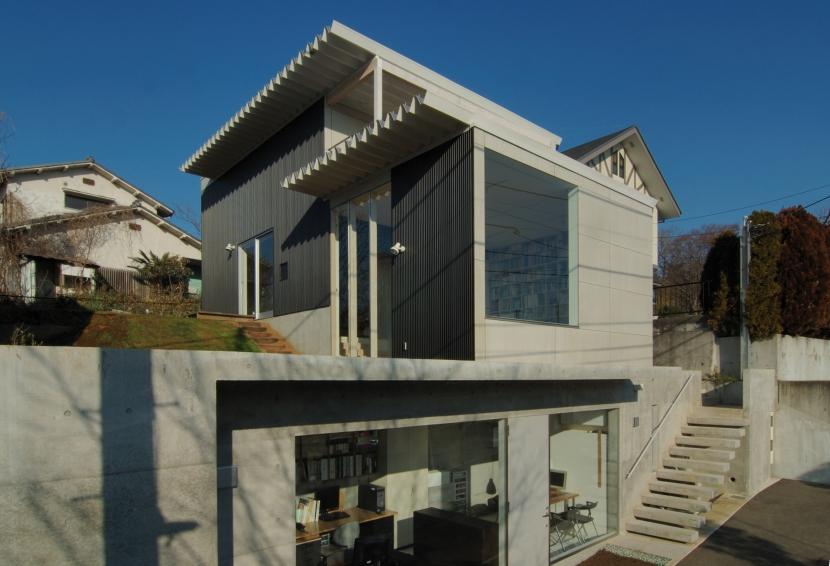 G邸・高台の家の写真 南東からの外観