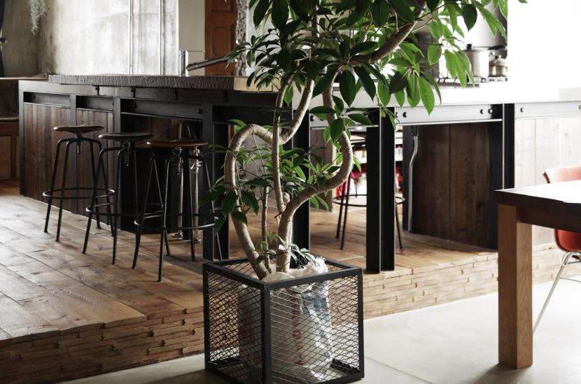 マンションリノベーション|名古屋市東区K邸の部屋 H鋼+コンクリート+古材のオリジナルキッチン