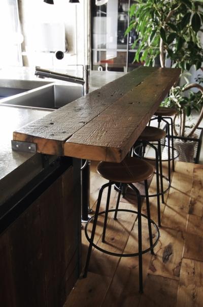 マンションリノベーション|名古屋市東区K邸 (古材のカウンター)