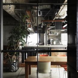 マンションリノベーション|名古屋市東区K邸-エントランスからダイニングを望む