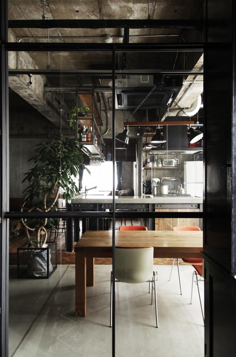 マンションリノベーション|名古屋市東区K邸の部屋 エントランスからダイニングを望む