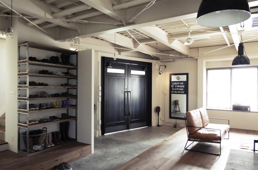 1Fはエントランス&フリースペース (一戸建てリノベーション|名古屋市瑞穂区K邸)