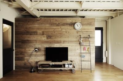 一戸建てリノベーション|名古屋市瑞穂区K邸 (古材の壁の後ろはウォークスルークローゼット)