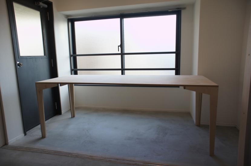 ドマ ト サンルームの部屋 DIY組立て家具