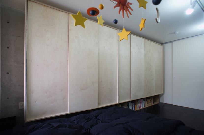 勾配天井の家の部屋 ジャンクションストレージ