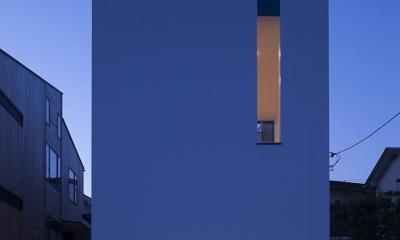 ハコノオウチ03 スモールオフィスのある家 (外観夜景)
