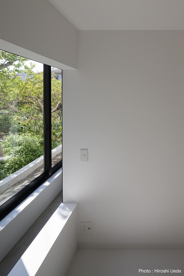 ハコノオウチ03 スモールオフィスのある家の写真 寝室からの借景