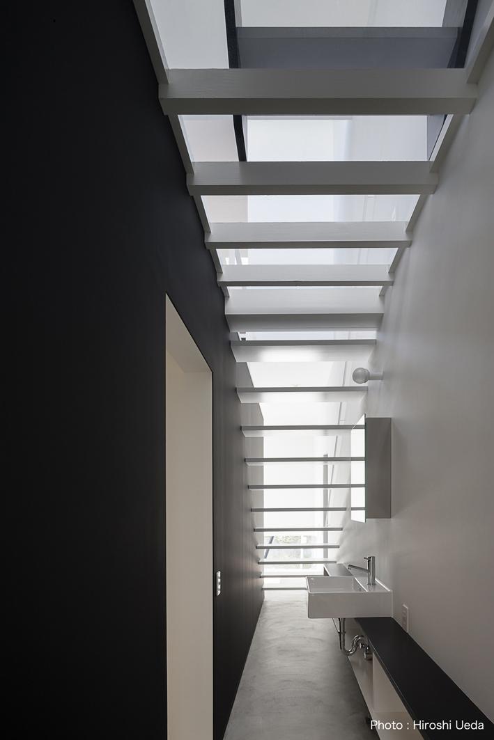 ハコノオウチ03 スモールオフィスのある家の写真 洗面スペース