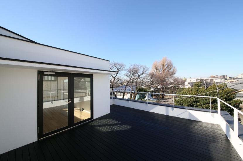 建築家:石川淳「ハコノオウチ05 ルーフバルコニーのある二世帯住宅」