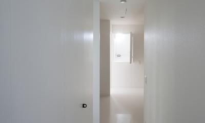 ハコノオウチ05 ルーフバルコニーのある二世帯住宅 (廊下収納)