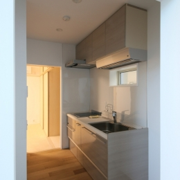 ハコノオウチ05 ルーフバルコニーのある二世帯住宅 (母のキッチン)