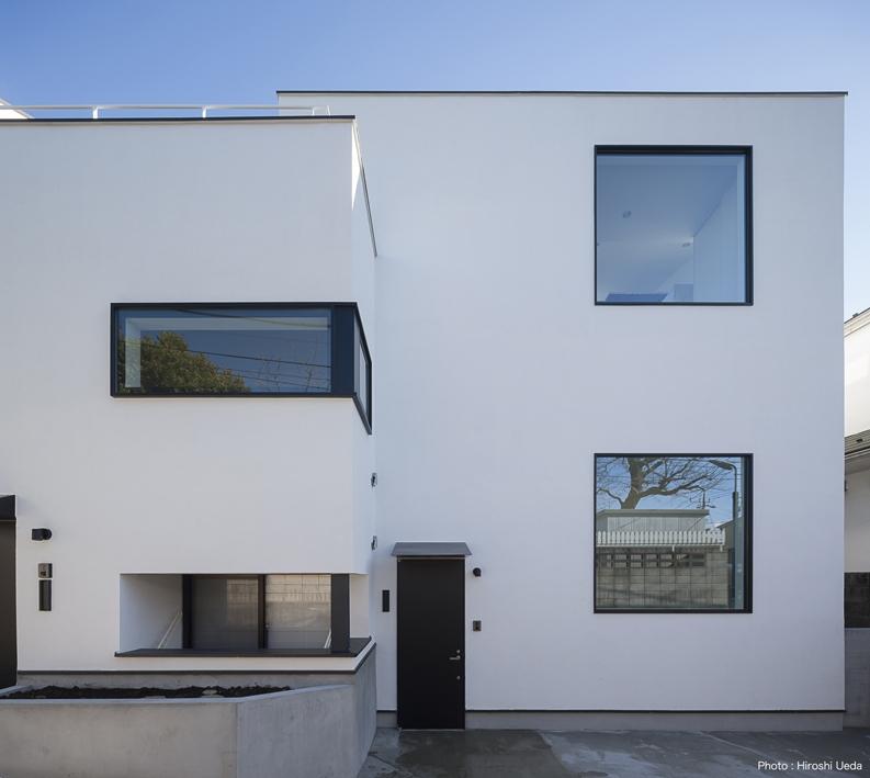 ハコノオウチ05 ルーフバルコニーのある二世帯住宅の写真 外観