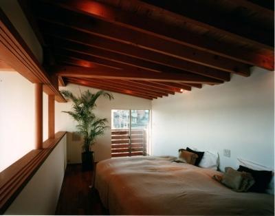 主寝室 (海の見える丘の家)