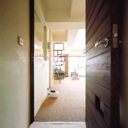 こだわりの理想を叶えた恵比寿の家 (玄関)