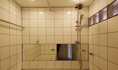 家族の成長とともに変化できる自由な家(武蔵浦和のリノベーション) (バスルーム)