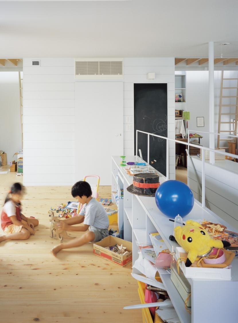 建築家:山岸綾「タガイ/チガイ」
