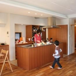 真ん中のキッチン