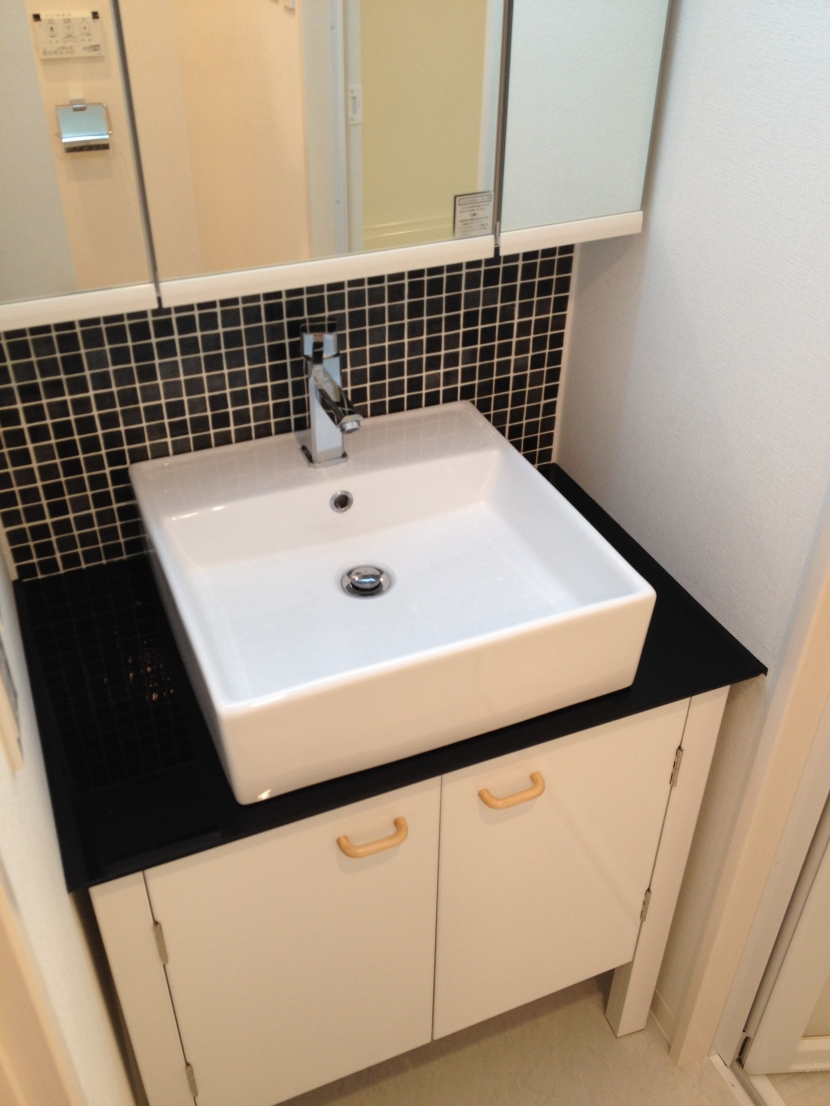 恵比寿邸の部屋 洗面室