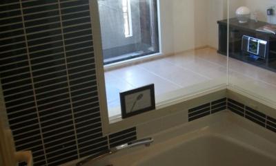 バスルーム窓|六本木邸