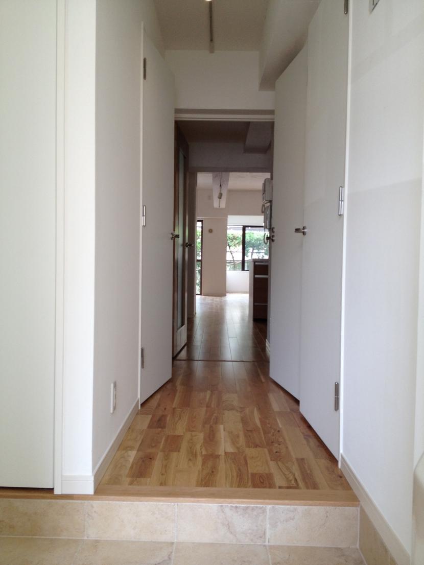 碑文谷邸の部屋 廊下