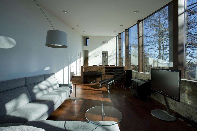 建築家:鹿内 健「軽井沢・日時計の家」