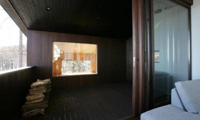 軽井沢・Sundial house (屋根のあるデッキテラス)