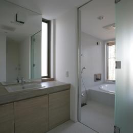軽井沢・日時計の家 (シンプルな洗面室)
