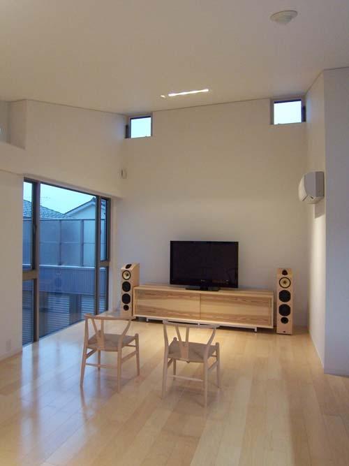 空を感じる家の部屋 LDK