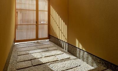 「光の家、集える庭。@現代京町家」 (玄関)
