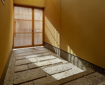 玄関 (「光の家、集える庭。@現代京町家」)