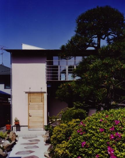 森を望む家の写真 外観