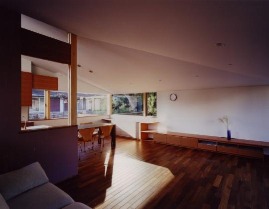 森を望む家の部屋 リビングダイニング