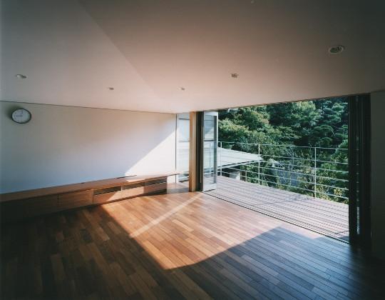 建築家:西島正樹「森を望む家」