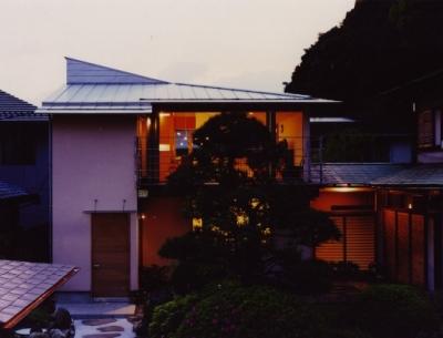 森を望む家 (夕景)